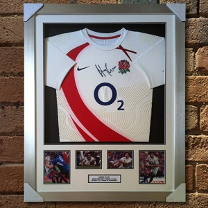Harry Ellis Signed Shirt Presentation